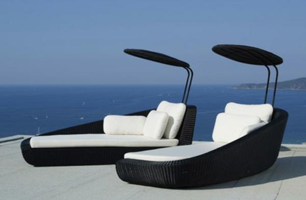 Le salon de jardin et le plaisir du choix - Chaise de piscine ...