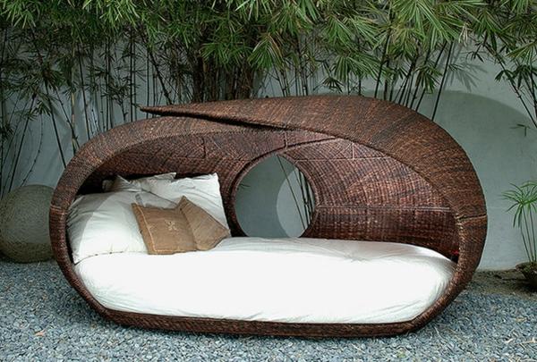 le salon de jardin et le plaisir du choix. Black Bedroom Furniture Sets. Home Design Ideas