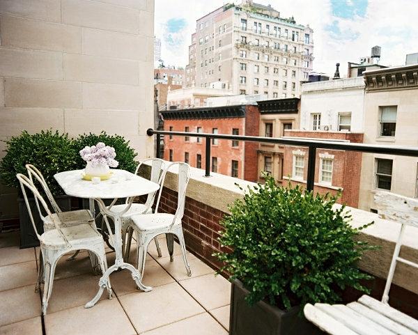 l 39 am nagement d 39 un petit balcon id es pour la petite place verte. Black Bedroom Furniture Sets. Home Design Ideas