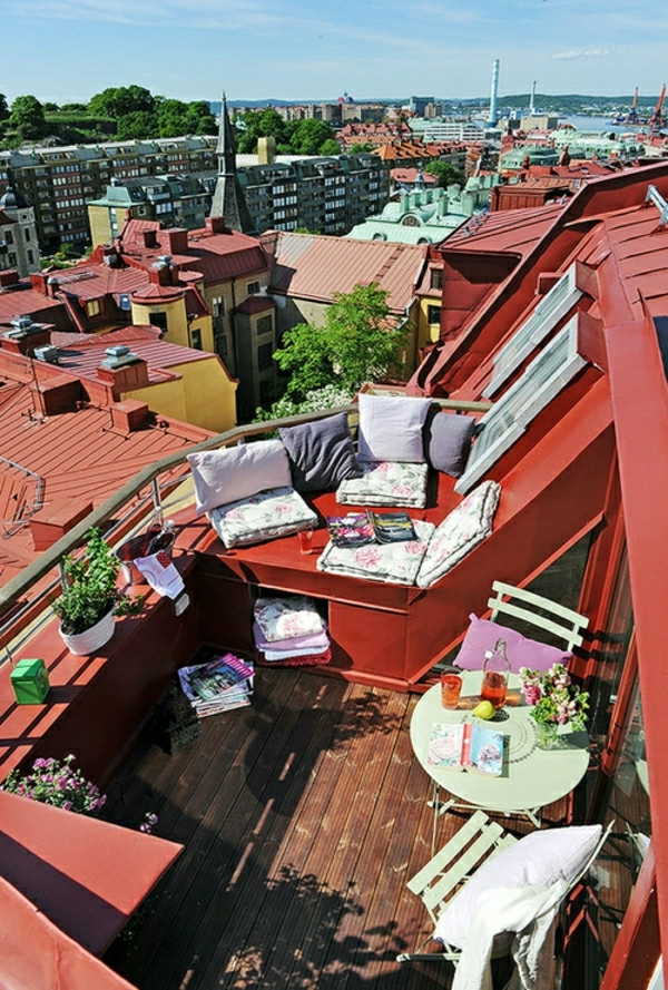 amenagement-balcon-rouge-vintag-cosy-