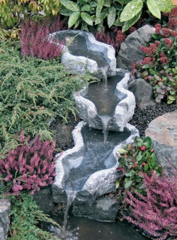 art-fontain-cascade-verdure-violet