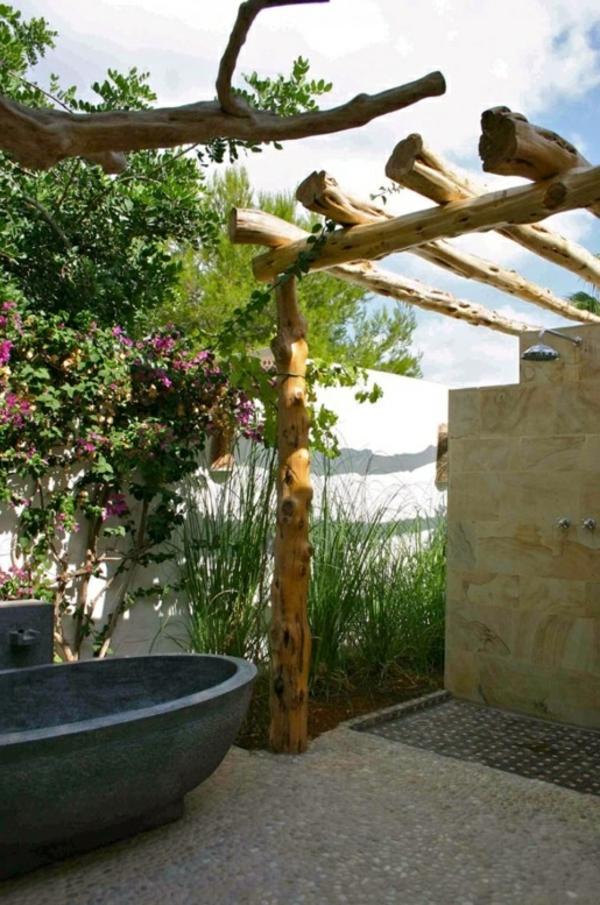 baignoire-extérieure-simple-style-déco