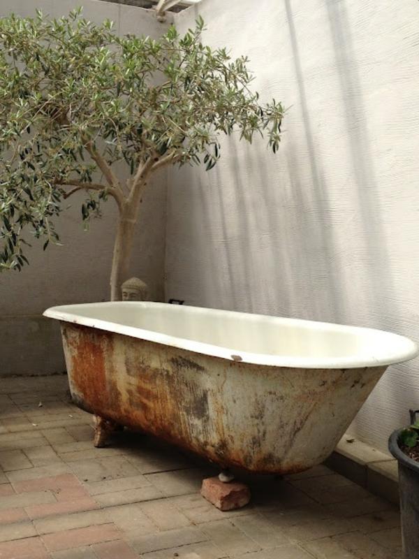 Le mod le de salle de bain ext rieur puret pour l 39 esprit - Baignoire bouchee que faire ...