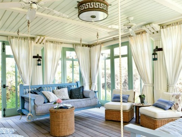 berceau-bleu-rideau-blanc-rotin-cottage