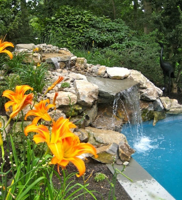 cascade-pour-le-piscine-