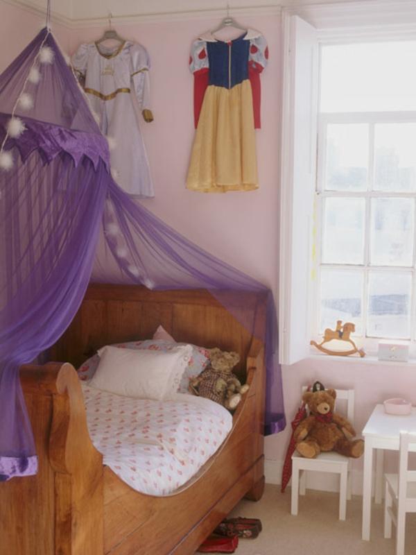 chambre-enfant-fille-violet-déco