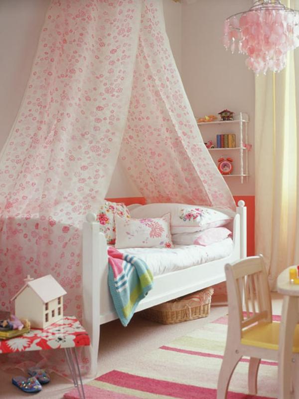 chambre-enfin-fille-rose