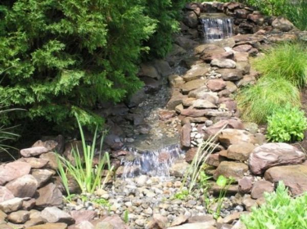 chemin-d'eau-cascade-jardinier
