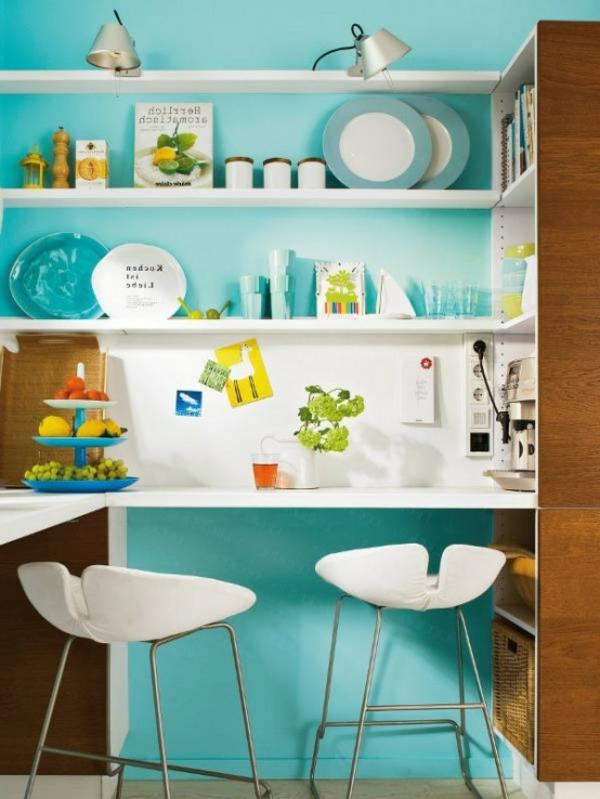 compacte-et-colorée-amenagement-petite-cuisine-vert-bleu-blan