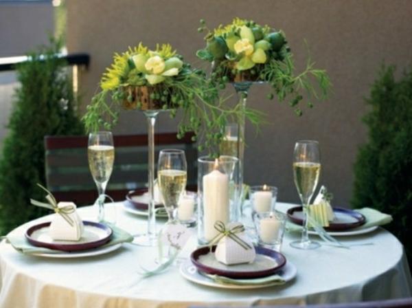 composition-florale-haute-pour-decorer-une-table