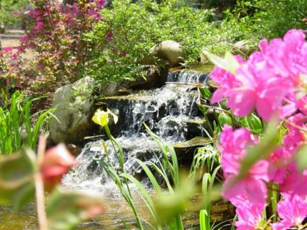 construire-cascade-originale-de-jardin