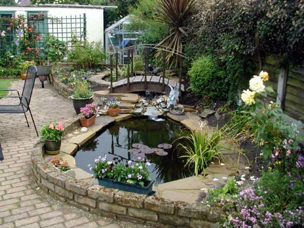 crée-bassin-de-jardin-pour-la-maison