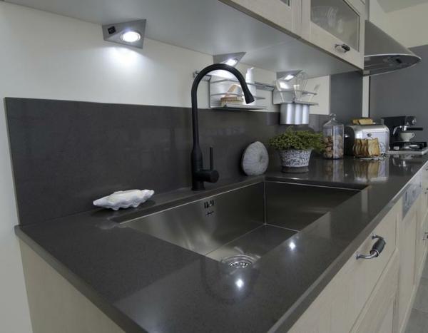cuisine-lapeyre-lavabo-noir-