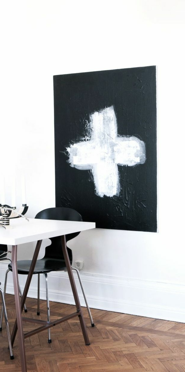 deco-nordique-peinture-croix-table-blanc-