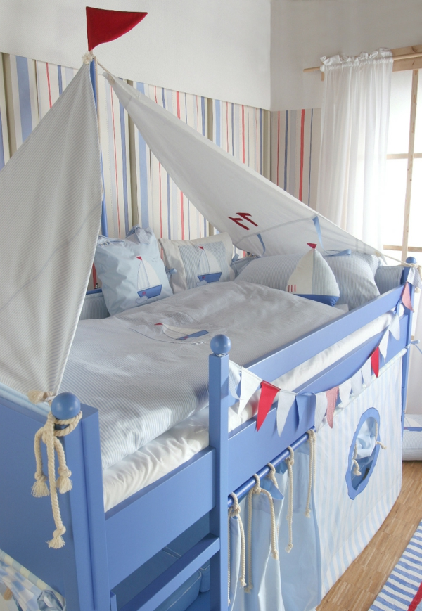 Chambre Garcon Style Marin : Le lit baldaquin enfant comment faire la déco pour