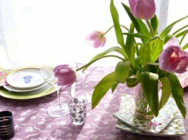 decorer-table-décorée-tulipes