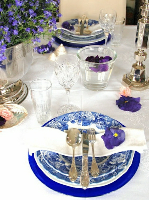 decorer-table-deco-bleu-violet