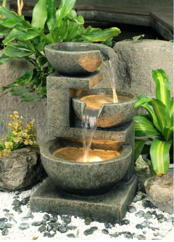 Cascade et fontaine de jardin 69 d co pour les moments for Pierre de decoration jardin