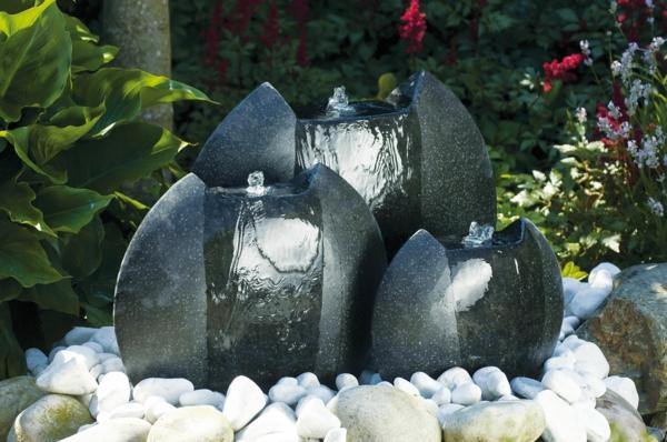 Cascade et fontaine de jardin 69 d co pour les moments for Pierre de decoration pour jardin