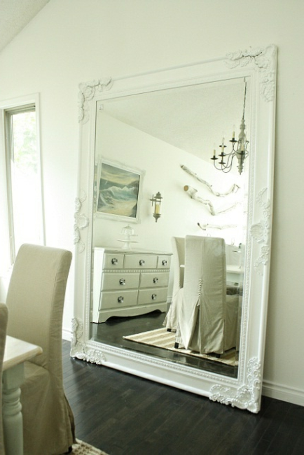 Le grand miroir mural 25 id es pour d 39 arrangement et for Grand miroir blanc