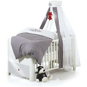 Le lit baldaquin enfant - comment faire la déco pour la chambre