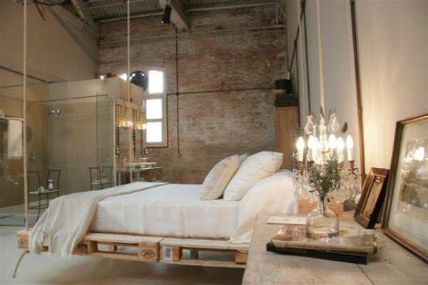 R cup palettes 34 chambres coucher la t te de lit palette - Lit en palettes ...
