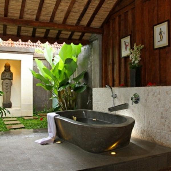 modèle-de-salle-de-bain-avec-une-baignoire
