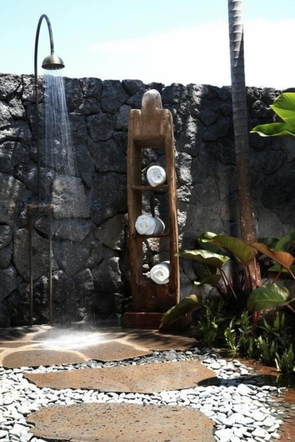modèle-de-salle-de-bain-original-de-pierre-et-bois