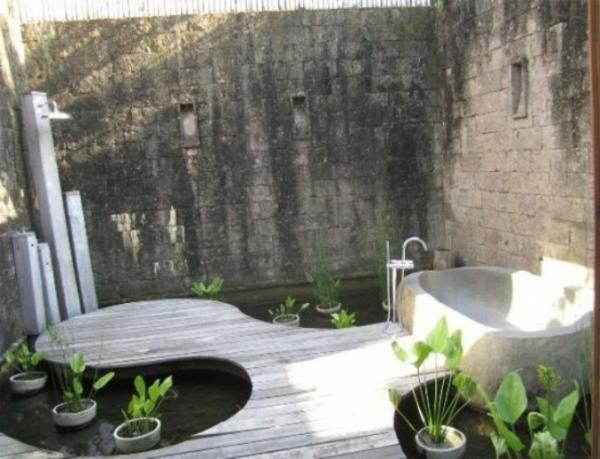 le mod le de salle de bain ext rieur puret pour l 39 esprit et le corp. Black Bedroom Furniture Sets. Home Design Ideas