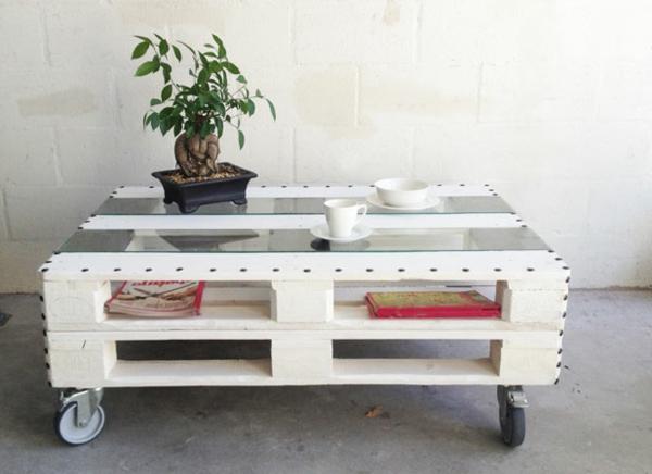 Construire table basse palette r cup et d co simpa for Table de salon palette
