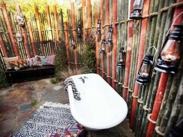 Le modèle de salle de bain extérieur pureté pour lesprit
