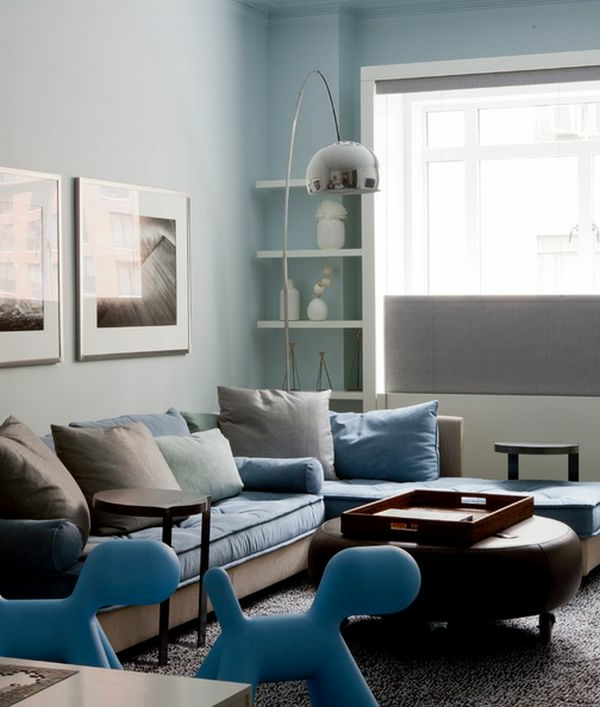 slle-de-séjour-en-bleu-et-blanc-peinture