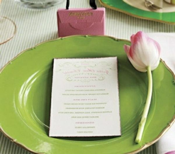 table-assiette-verte-tulipe-jolie