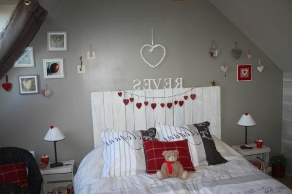 R cup palettes 34 chambres coucher la t te de lit palette - Lit style romantique ...