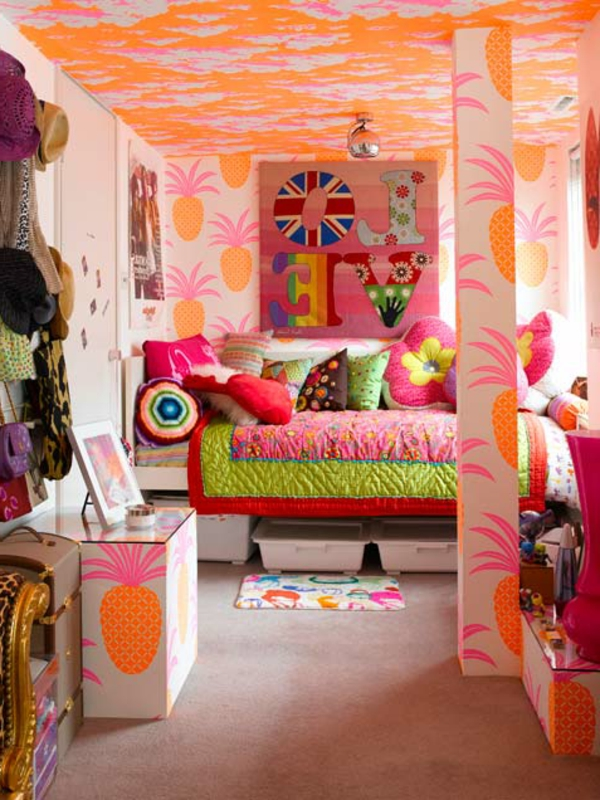 tween girl bedroom decorating ideas hallow keep arts. Black Bedroom Furniture Sets. Home Design Ideas