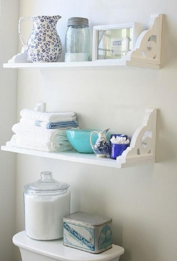 étagère-décoration-de-salle-de-bain-blanc-claire-vintage