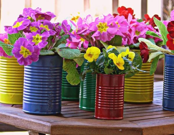 vous voulez un original pot de fleur design pour le jardin. Black Bedroom Furniture Sets. Home Design Ideas