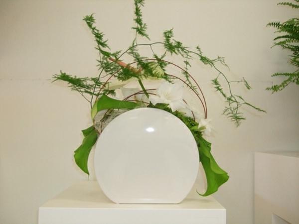 composition florale-originale-lampe-ronde