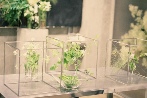 composition-florale-originale-perrier-contemporain