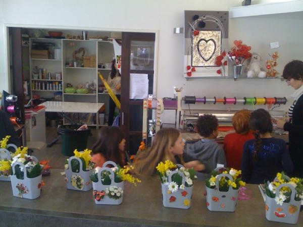 composition-florale-originale-petites-pots