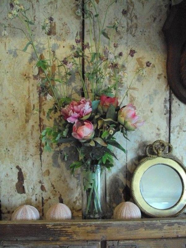 composition-florale-originale-roses-vintage