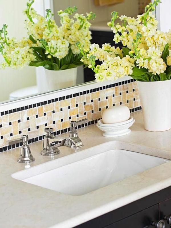 décoration-de-salle-de-bain-fleurs