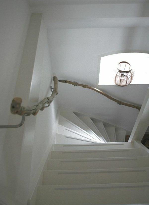 décoration-en-bois-flotté-escalier