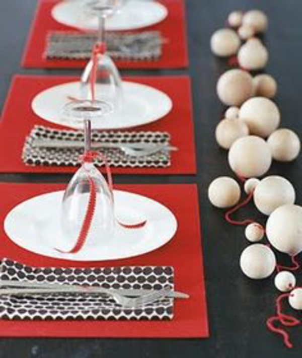 La d coration de table pour no l plaisir et style - Decoration table de noel rouge et blanc ...
