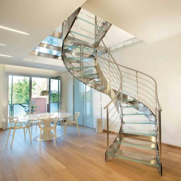 escalier-helicoidal-fer-bois-claire