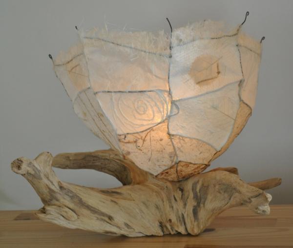 intéressante-lampe-bois-flotté
