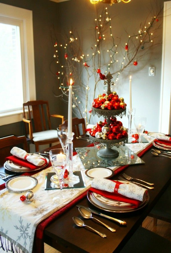 Decorating table for christmas brunch photograph la d cor - Decoration de table de noel ...