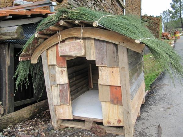 La niche pour chiens mod les originals et esth tiques - Fabrication niche en bois pour chien ...