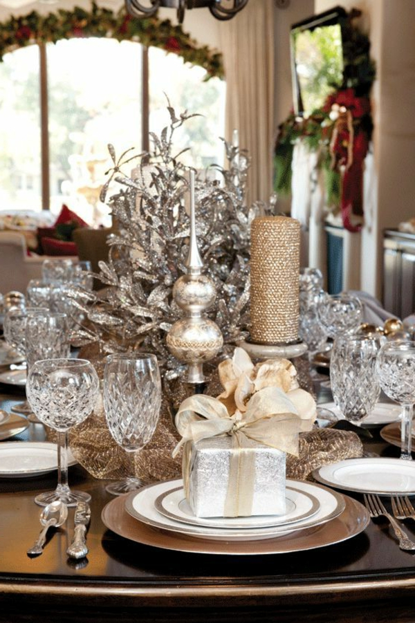 riche-decoration-table-de-noel-