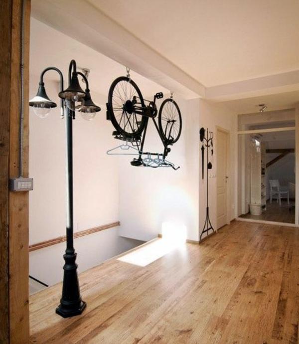 Comment d corer sa maison avec un v lo int rieur for Porte manteau contemporain bois
